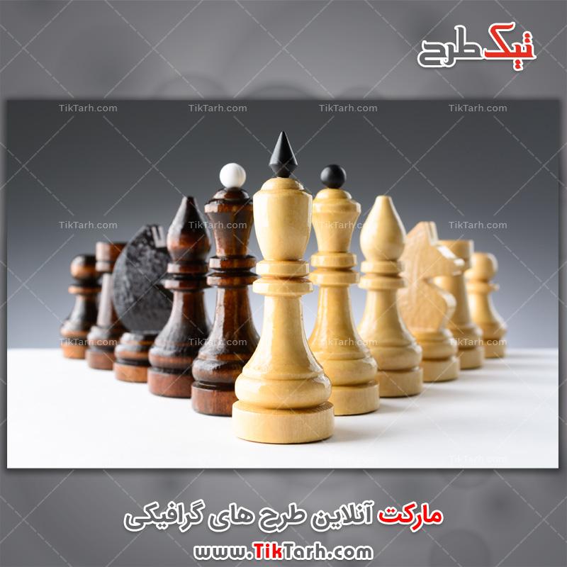 تصویر لارج فرمت مهره های چوبی شطرنج