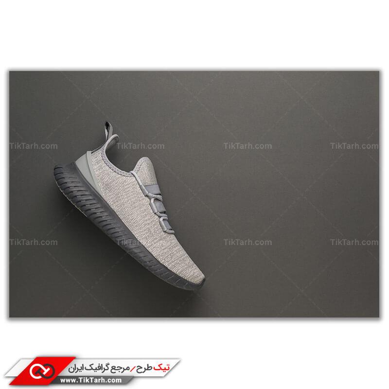 عکس گرافیکی کفش پیاده روی طوسی