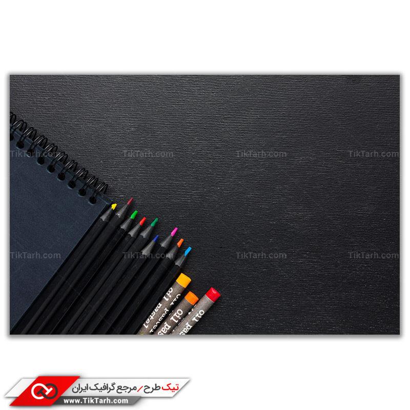 تصویر گرافیکی باکیفیت مدادرنگی و مداد شمعی