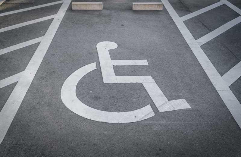 تصویر باکیفیت اقدامات شهرداری برای معلولین