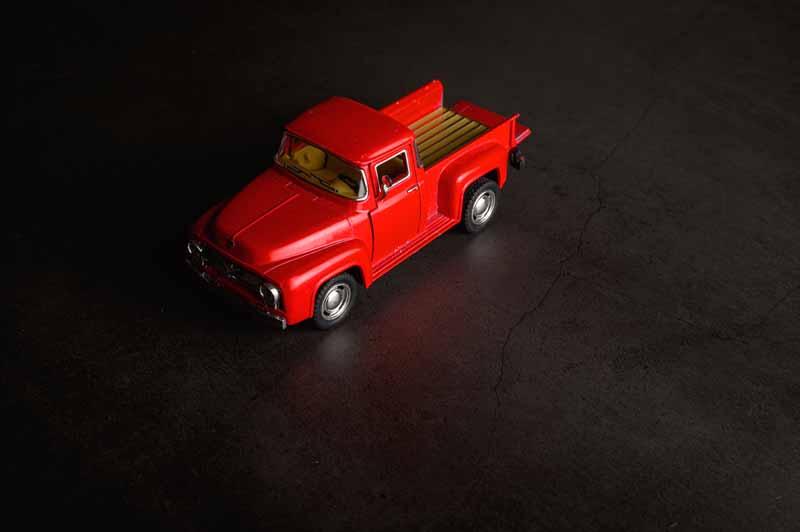 تصویر باکیفیت ماشین قرمز