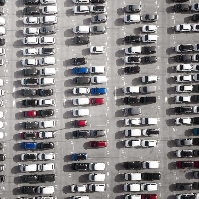 دانلود تصویر باکیفیت پارکینگ بزرگ خودرو