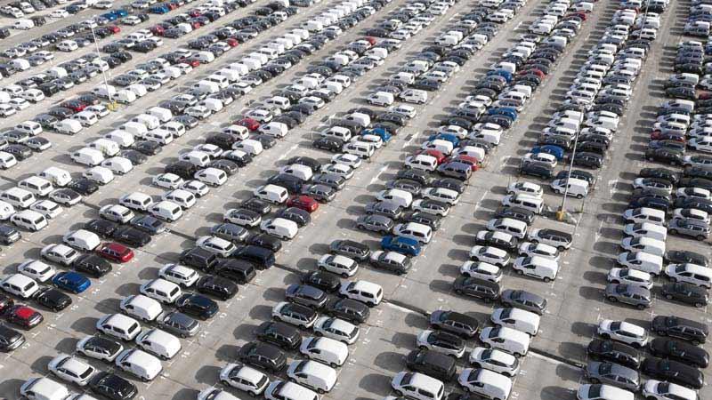 تصویر لارج فرمت پارکینگ بزرگ ماشین