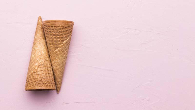 تصویر باکیفیت نان بستنی قیفی