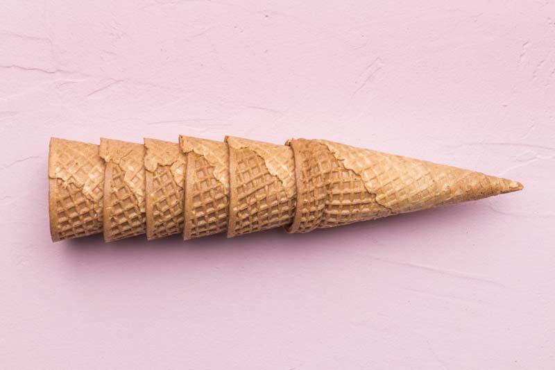 دانلود تصویر باکیفیت نان بستنی قیفی