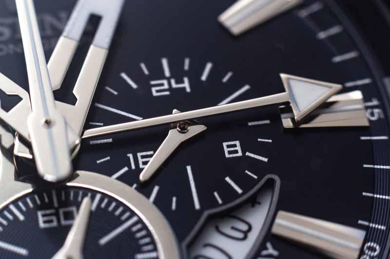 تصویر لارج فرمت صفحه ساعت مچی از نمای نزدیک