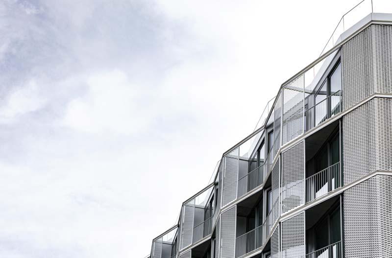 دانلود عکس با کیفیت آپارتمان از نمای پایین
