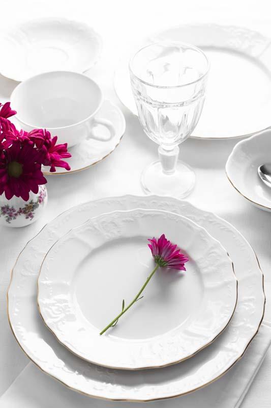 تصویر باکیفیت سرویس غذاخوری چینی سفید ساده