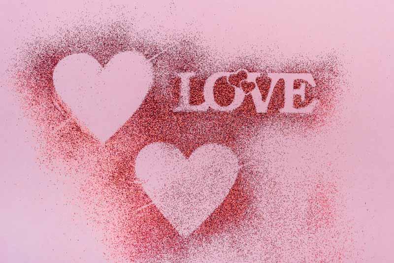 عکس باکیفیت پودر اکلیل با طرح قلب و LOVE