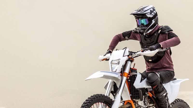 تصویر باکیفیت موتورسیکلت صحرایی