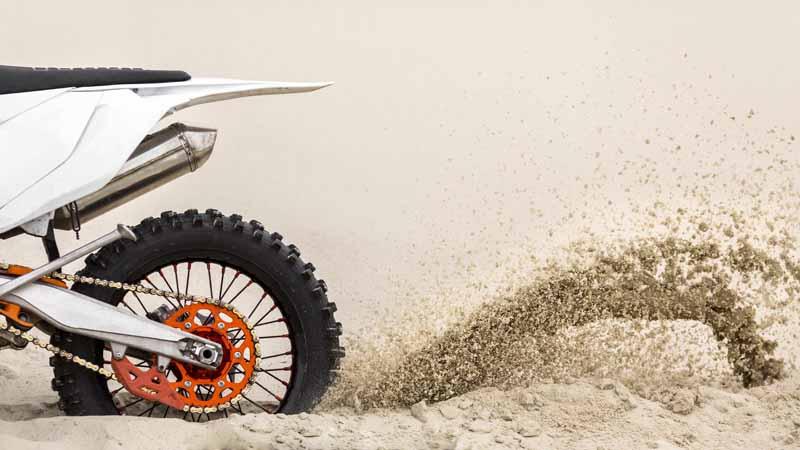 دانلود تصویر باکیفیت موتور سواری در صحرا