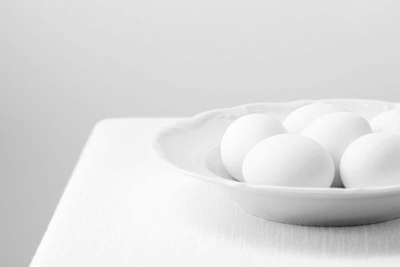 دانلود تصویر با کیفیت از تخم مرغ ها در بشقاب