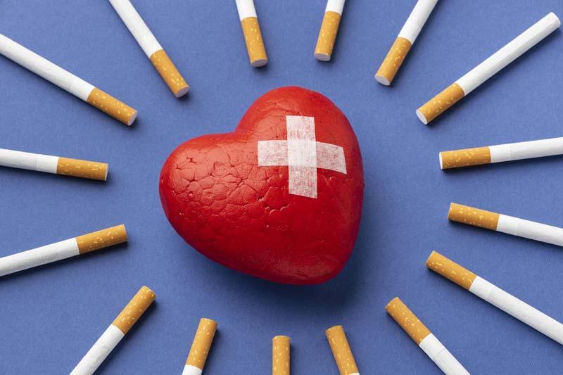 تصویر باکیفیت فانتزی سیگار و آسیب های قلبی