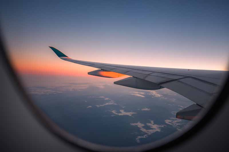 دانلود تصویر باکیفیت بال هواپیمای مسافربری
