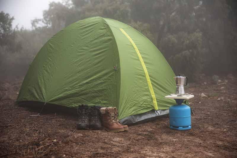 دانلود تصویر باکیفیت چادر در جنگل