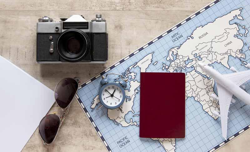 دانلود تصویر با کیفیت ملزومات سفر