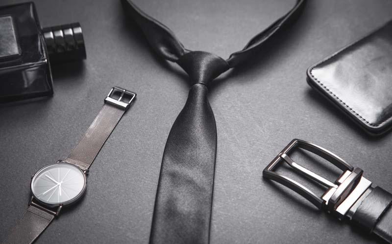 دانلود تصویر باکیفیت ساعت و کراوات مردانه