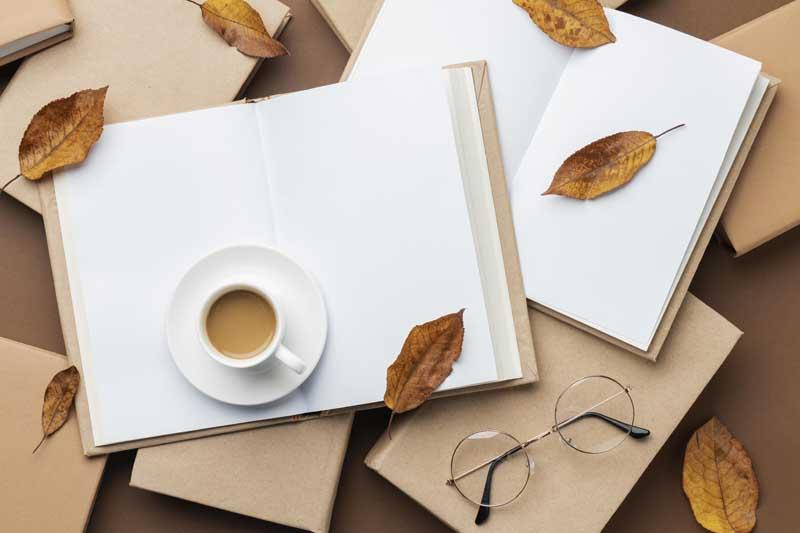 دانلود تصویر کتاب ها و فنجان قهوه
