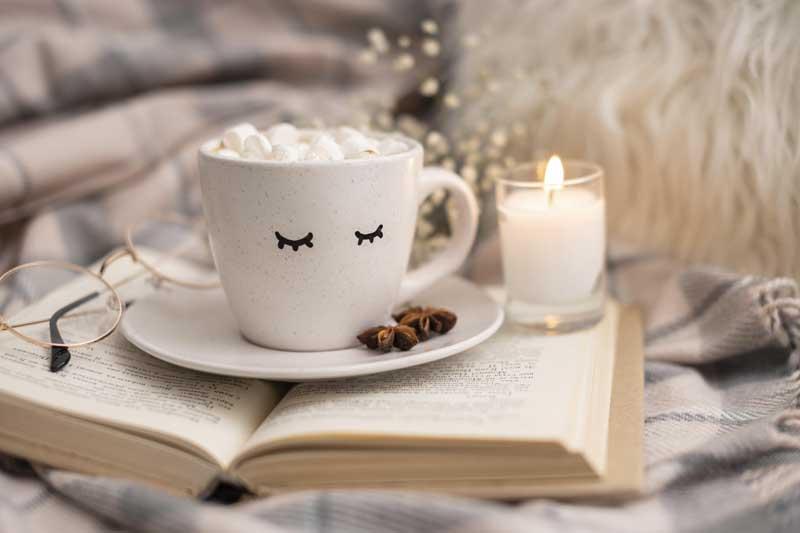 دانلود تصویر کتاب و فنجان قهوه