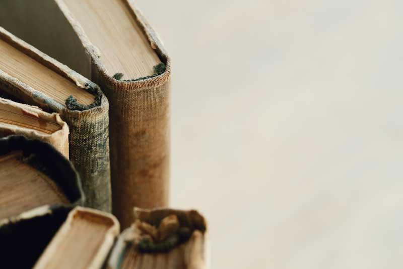 تصویر کتاب های قدیمی
