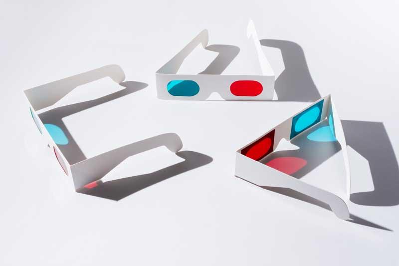 تصویر باکیفیت عینک های فیلم سه بعدی