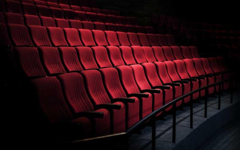 دانلود تصویر باکیفیت صندلی های سینما
