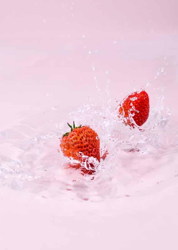 عکس باکیفیت از توت فرنگی های تازه