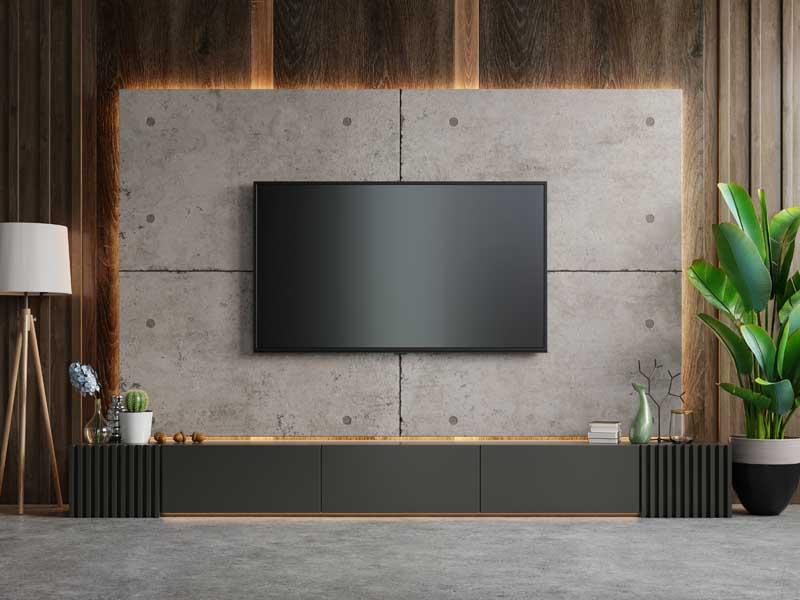 تصویر تلویزیون روی دیوار
