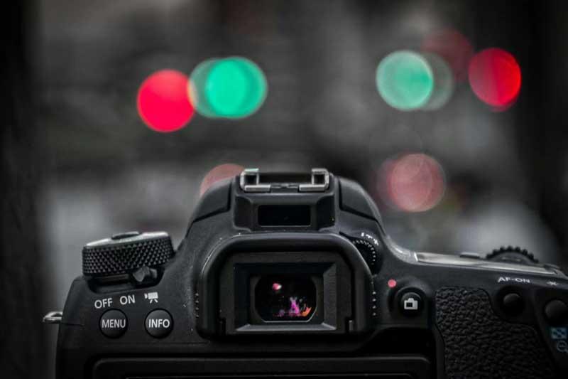 دانلود تصویر نمای پشت دوربین عکاسی