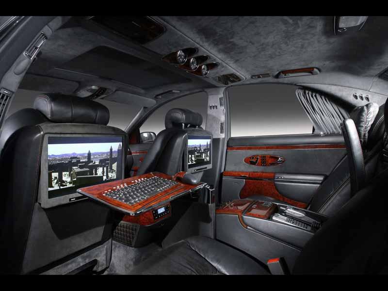 تصویر باکیفیت از فضای داخلی مجهز ماشین