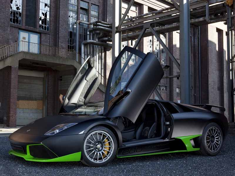 تصویر باکیفیت از خودروی اسپرت لوکس