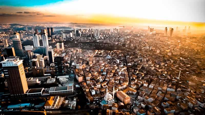 عکس کلان شهر و طلوع آفتاب