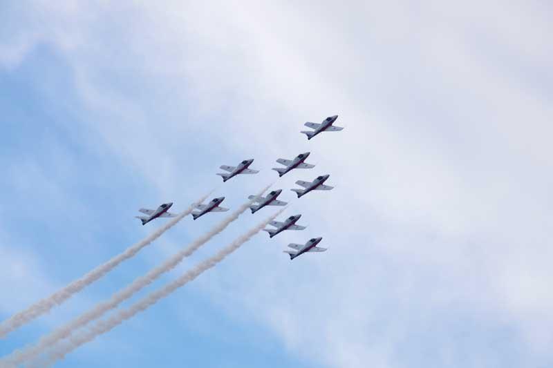 دانلود عکس باکیفیت نمایش هوایی جنگنده ها