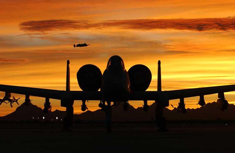 دانلود تصویر جنگنده ای-۱۰ تاندربولت ۲ و غروب آفتاب