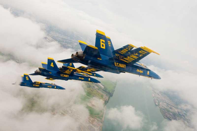 دانلود عکس گرافیکی مانور جنگنده های اف 18 هورنت