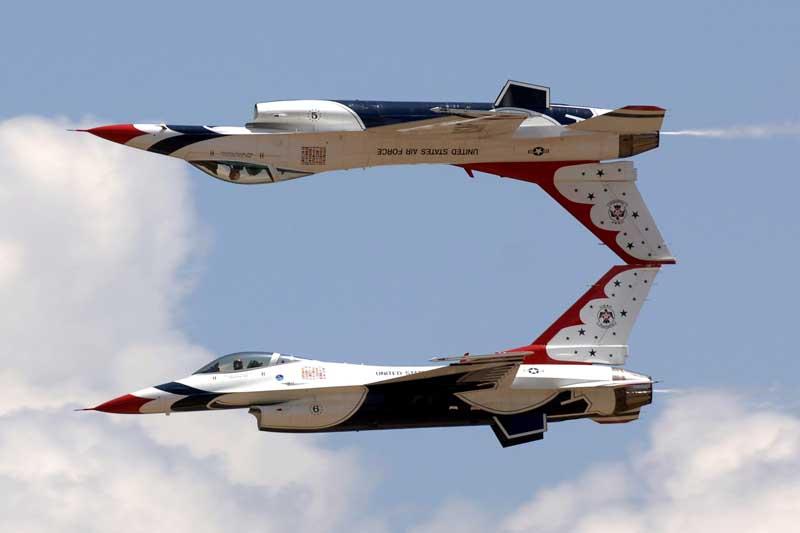 تصویر نمایش هوایی جنگنده های اف 16 فالکن