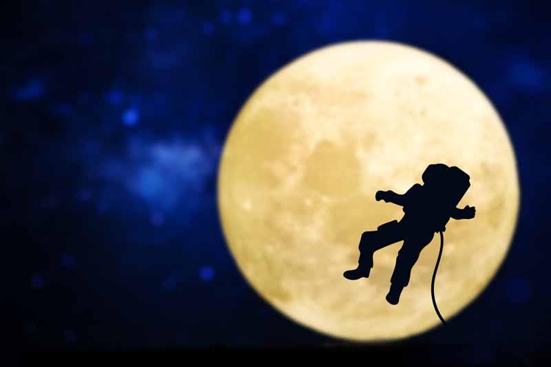 عکس باکیفیت و زیبا از فضانوردی در ایستگاه فضایی