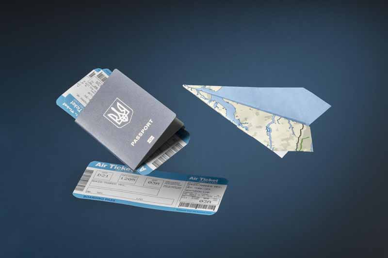 تصویر باکیفیت بلیط هواپیما و پاسپورت